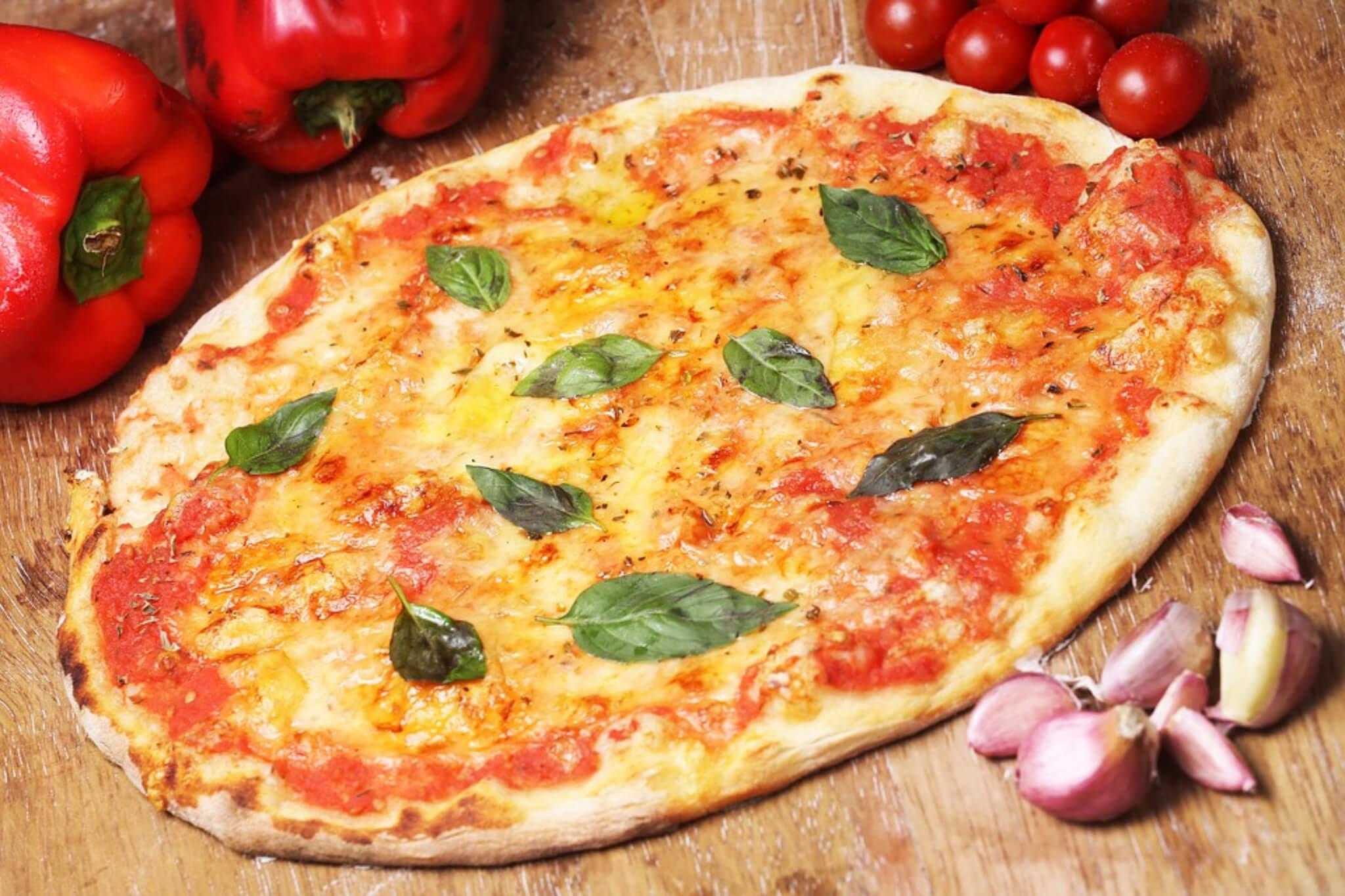 possiamo mangiare la pizza a cena