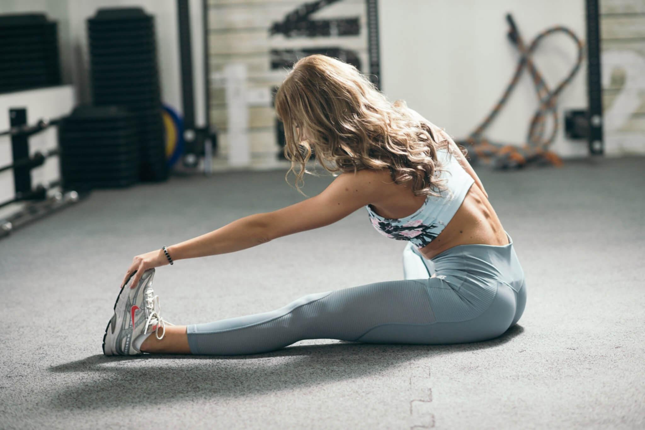 lo stretching durante il riscaldamento