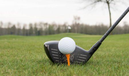 Perché la pallina da golf ha i buchi?